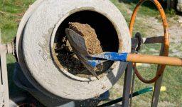 Как приготовить бетонную смесь бетономешалкой бетон денисово