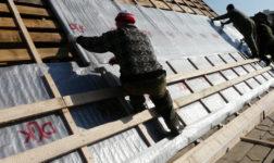 Пароизоляция под профнастил холодной крыши