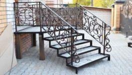 Лестница входная в дом металлическая своими руками